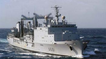 Dégazage et dépollution d'un navire militaire La Somme