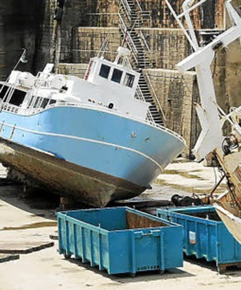 Déconstruction d'un navire océanographique, le Gwen Drez